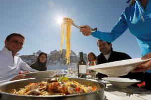 Kaviar und Dolomitenblick