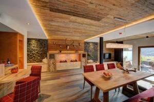 Das Mountain-Chalet bieten bis zu sechs Personen Platz – und Panorama pur…