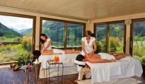 """Wellness kommt von """"Well being"""" und """"Fitness"""":  Paare-Treatments mit Panoramablick"""