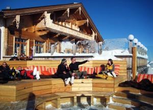 Kristallhütte mit Chill-Zone.
