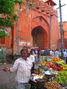 am Stadttor in Jaipur