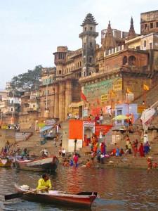 die Munshi Ghat am Ganges in Varanasi