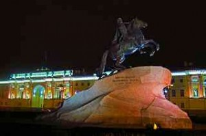 Peter der Große auf einem 1600 Tonnen schweren Granitfindling vor dem Senat