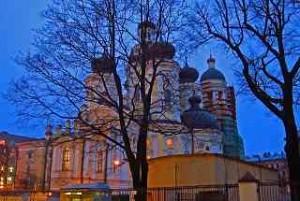 Wladimir-Kirche, Dostojewskij blickte von seiner Wohnung auf die Türme