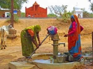 am Dorfbrunnen in Dhramapura