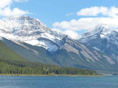 k-Die Rocky Mountains am Spray Lake Alberta