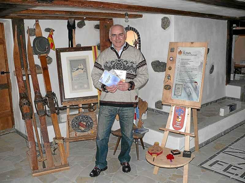 k-Foto Walter Strohmeier im Ski-Köpfer-Museum (Bild Köpfer WT)