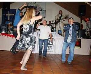 Weibliche Gäste finden Silvester jede Menge Tänzer Foto_DagmarGehm