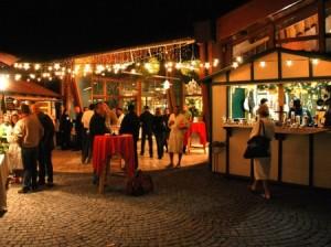 Standln am Adventmarkt der Therme Loipersdorf.