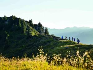 Zum Naturerwachen gehört eine zweistündige Wanderung von Garfrescha zur Nova Stoba. Foto: Alex Kaiser Schruns Montafon Tourismus_