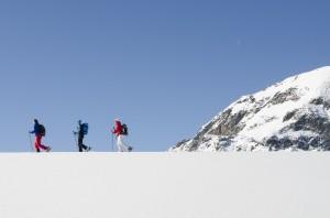 Schneeschuh-Wandern auf der Silvretta-Bielerhöhe. Foto: Montafon Tourismus/Illwerke Tourismus/Alexander Kaiser.