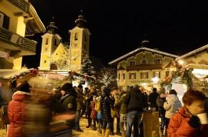 Künster und Kulinarik dominieren den Markt in St. Johann. Foto: Markus Rudolf
