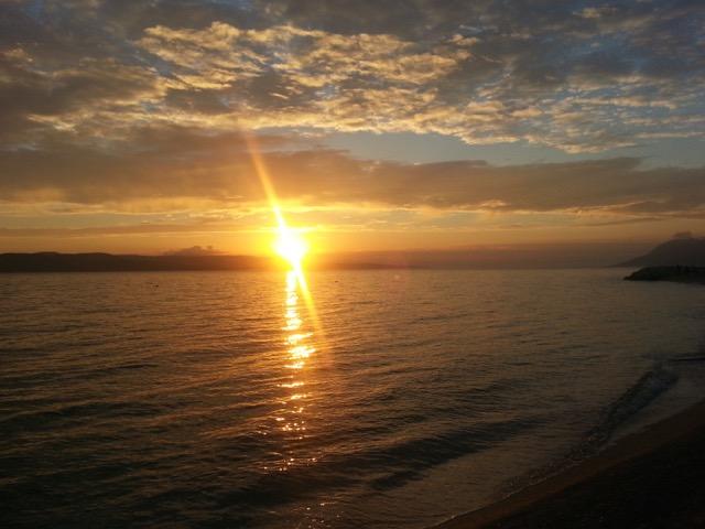 und einem grandiosen Sonnenuntergang