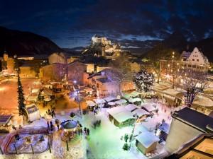 In Kufsgtein gibt es den Weihnachtsmarkt im Stadtpark und auf der Festung