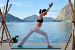 Yoga am Luganer See -  im Hintergrund der San Salvatore © Grand Hotel Villa Castagnola/ Lugano
